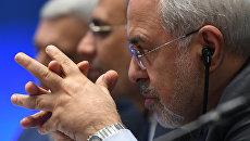 Министр иностранных дел Исламской Республики Иран Мухаммад Джавад Зариф на встрече глав МИД стран-гарантов перемирия в Сирии, которая проходит в Астане. 16 марта 2018