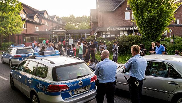 Германская полиция на месте столкновения чеченских и иракских беженцев в городе Билефельд