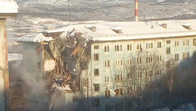 ВМурманске из-за взрыва газа сложился дом