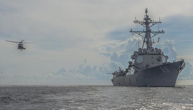 Эсминец Mustin ВМС США в Южно-китайском море. Архивное фото
