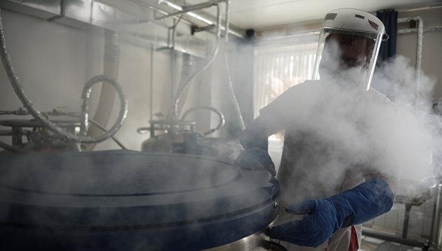 Криобанк для заморозки и хранения биоматериалов в жидком азоте