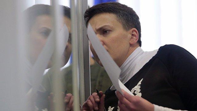 Надежда Савченко во время заседания апелляционного суда. Архивное фото