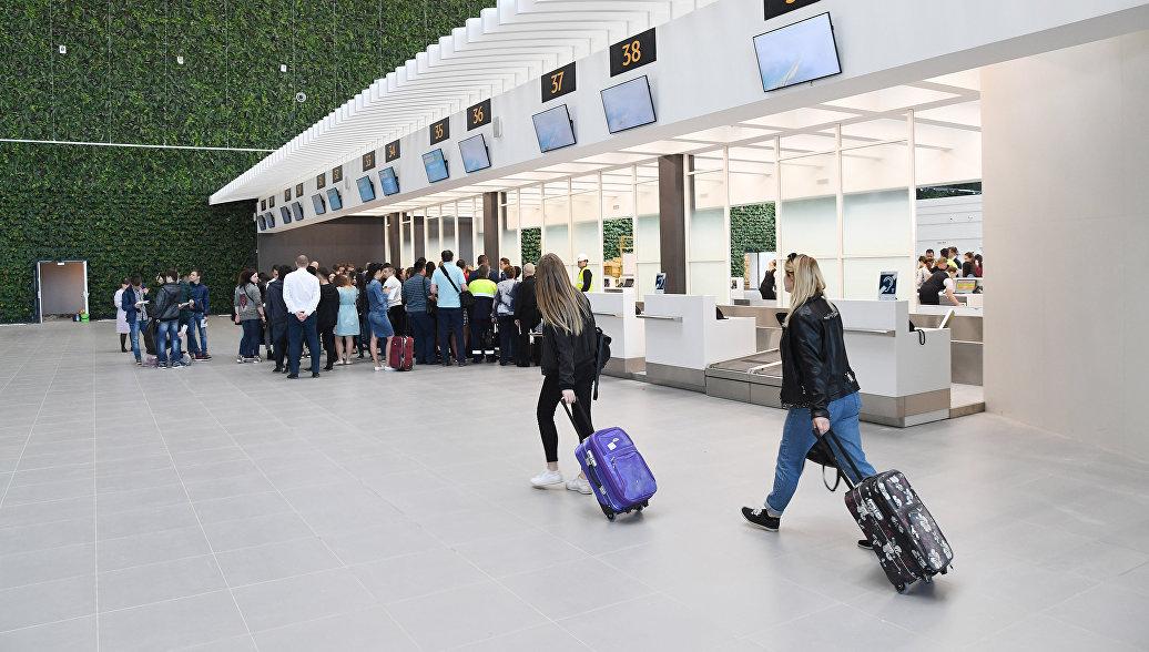 Работа нового терминала аэропорта в Симферополе