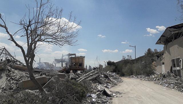 Разрушенный Научно-исследовательский центр в Барзе. Архивное фото