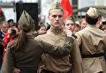 Выступление артистов на перроне вокзала по случаю прибытия ретро-поезда Победа в Краснодаре