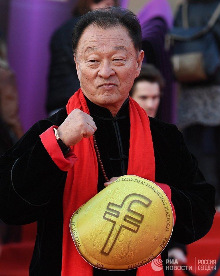 Актёр Кэри-Хироюки Тагава на церемонии открытия 40-го Московского международного кинофестиваля (ММКФ)