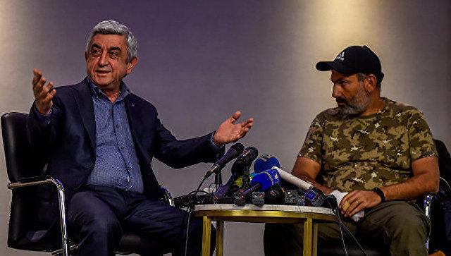 Премьер Армении прервал переговоры соппозиционным лидером