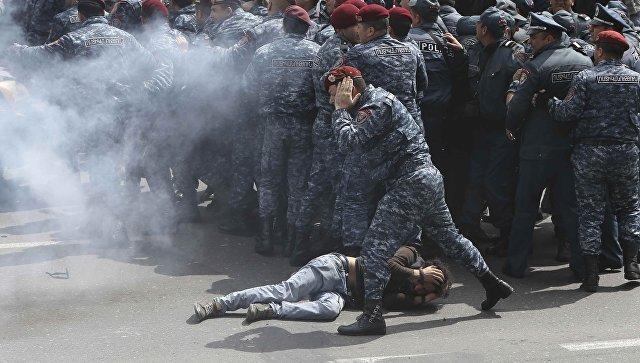 Столкновения с полицией в Ереване, Армения. 22 апреля 2018