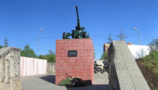 Памятник воинам-зенитчикам в городе Лобня. Архивное фото