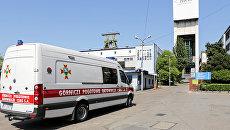Машина скорой помощи у шахты Софиевка в городе Ястшемб-Здруй, Польша. 5 мая 2018