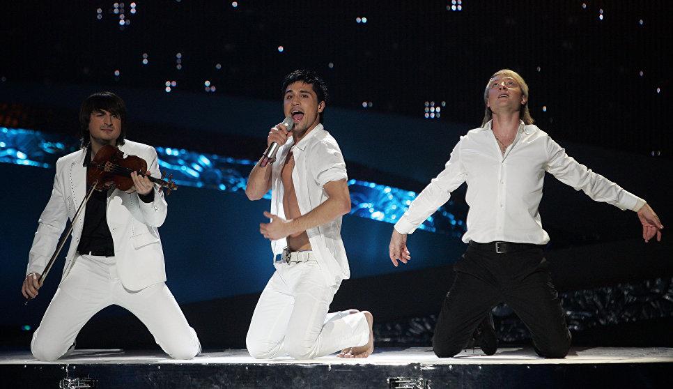 Певец Дима Билан выступает на конкурсе Евровидение-2006