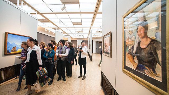 Посетители в музее. Архивное фото