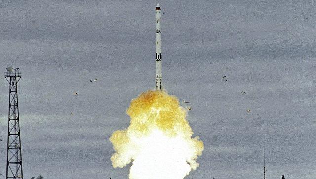 Запуск межконтинентальной баллистической ракеты Старт-1 (создана на базе Тополя) на космодроме Плесецк. 2000 год