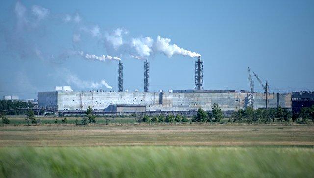 Завод закрытого акционерного общества Крымский титан. Архивное фото