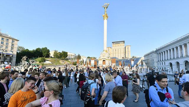 Украинские журналисты на площади Независимости в Киеве. Архивное фото