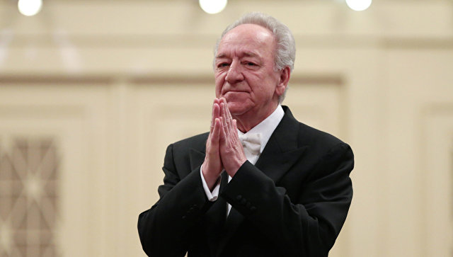 Художественный руководитель и главный дирижер Академического симфонического оркестра филармонии Юрий Темирканов. Архивное фото