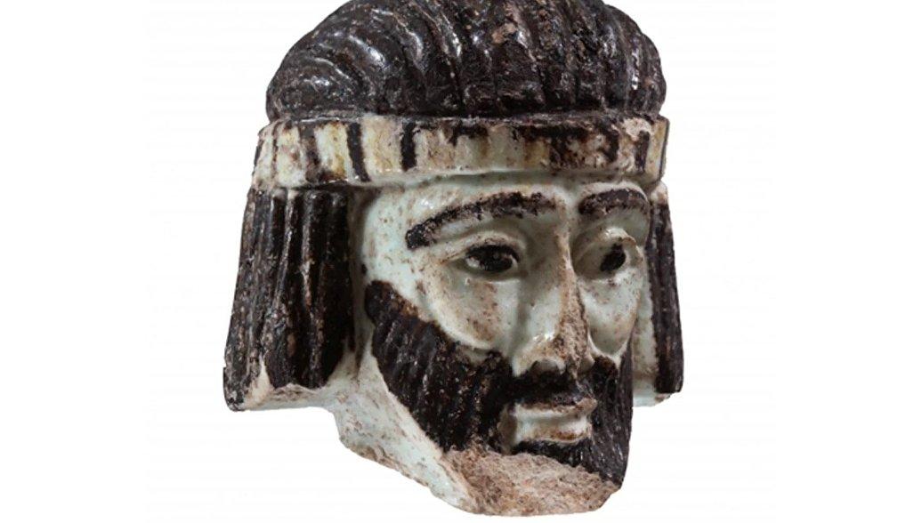 Фрагмент скульптуры библейского царя, найденный во время раскопок на севере Израиля