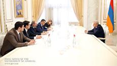 Премьер-министр Армении Никол Пашинян на встрече с новым послом РФ Сергеем Копыркиным. 11 июня 2018