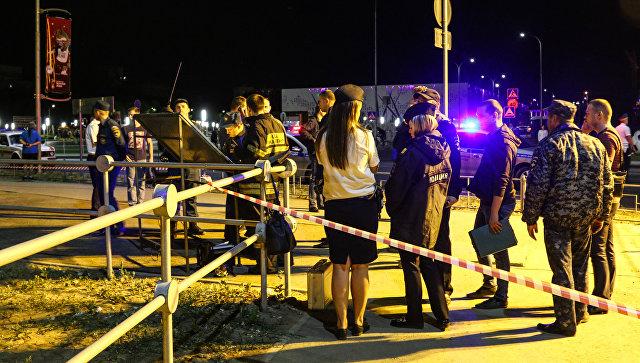 При столкновении катамарана и баржи на Волге погибли 11 человек