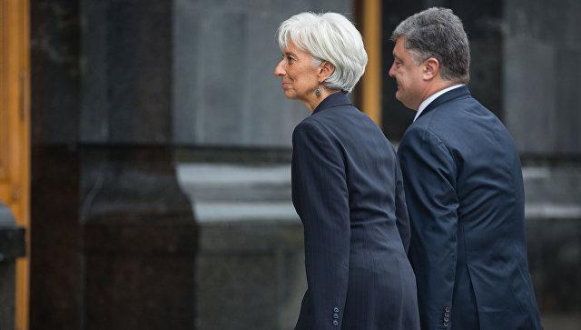 Президент Украины Петр Порошенко во время встречи с директором-распорядителем МВФ Кристин Лагард в Киеве. Архивное фото