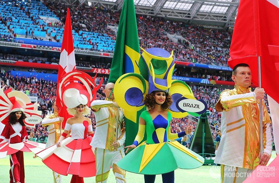 Участники церемонии открытия чемпионата мира по футболу 2018 на стадионе Лужники