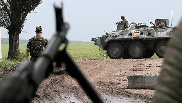 Украинские военные в зоне конфликта на востоке Украины