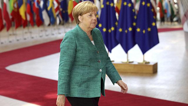Канцлер Германии перед началом саммита лидеров государств Евросоюза в Брюсселе