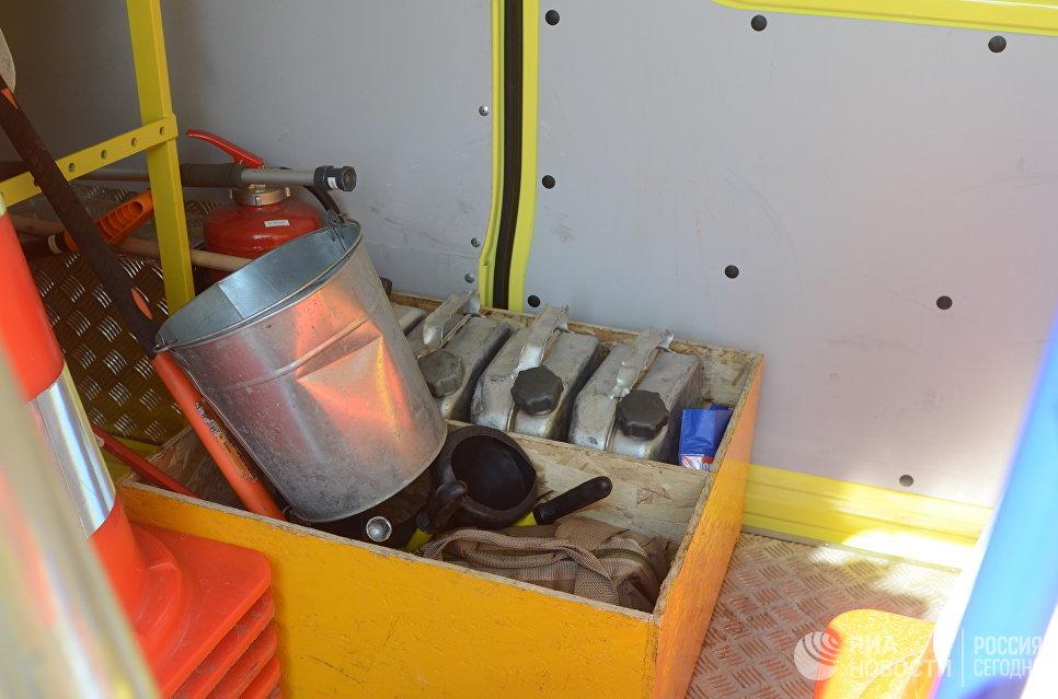 Аварийное оборудование в автомобиле Службы аварийных комиссаров.