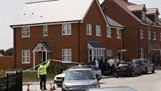 Полицейский у дома жертвы отравления в Эймсбери