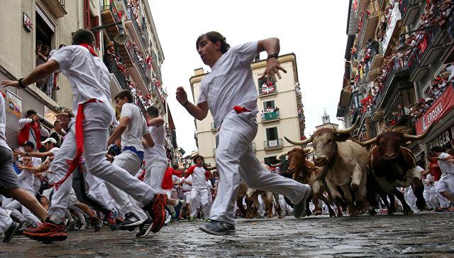 В Испании пять человек пострадали в забеге с быками на празднике Сан-Фермин