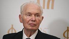 Писатель Валерий Ганичев. Архивное фото