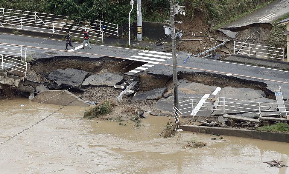 Последствия ливневых дождей в городе Курасики, префектура Окаяма, Япония. 8 июля 2018 года