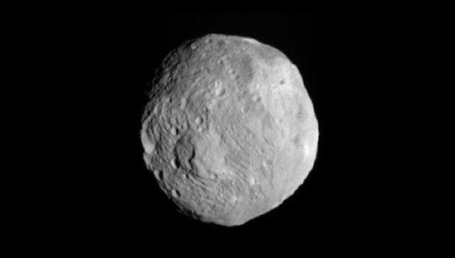 Астероид Веста, фотография сделанная зондом Dawn с расстояния 41 тысяча километров