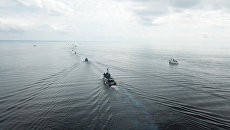 Тренировка кораблей и катеров ВМФ в Финском заливе к Главному Военно-Морскому Параду