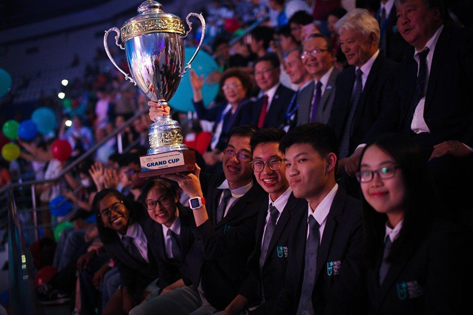 Победителем в командном зачете  Международных интеллектуальных игр в Якутии стала команда школьников из Сингапура