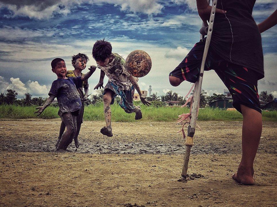 Работа фотографа Zarni Мио Win, третье место и звание Фотограф года в фотоконкурсе 2018 iPhone Photography Awards