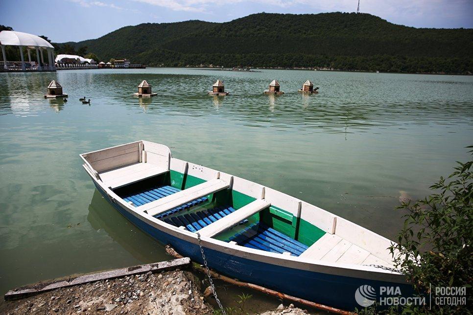Озеро Абрау в Краснодарском крае