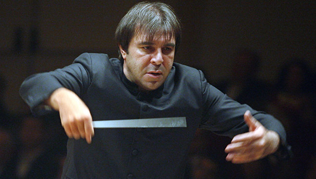 В Нидерландах после секс-скандала уволили дирижера королевского оркестра