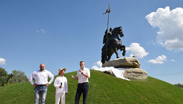 Открытие памятника Илье Муромцу в Киеве