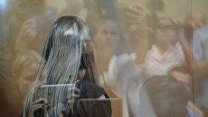 Одна из сестер Хачатурян, обвиняемых в убийстве своего отца, в суде. Архивное фото
