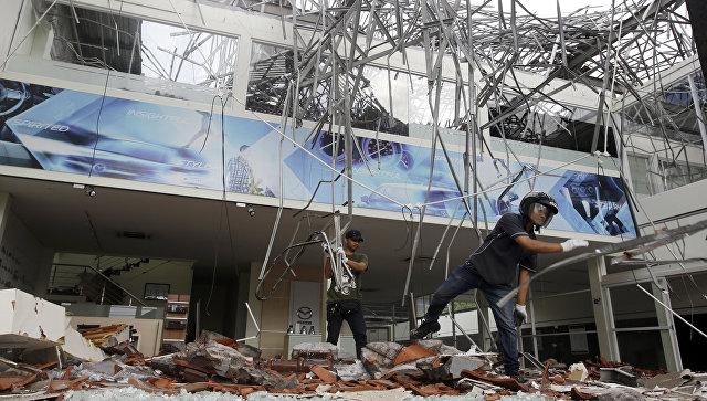 Число жертв землетрясения в Индонезии увеличилось до 347