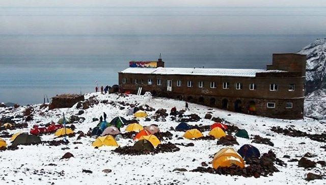 Снег выпал на грузинском курорте Гудаури