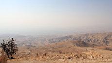 Вид на Иорданскую долину с горы Нево, Иордания. Архивное фото