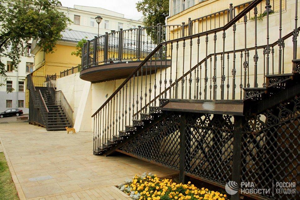 Лестницы в парке Горка