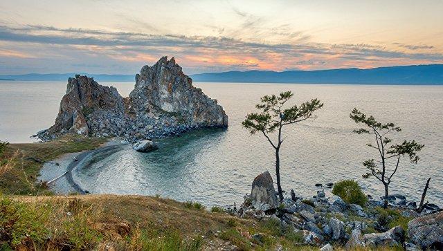Скала Шаманка и мыс Бурхан на острове Ольхон