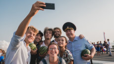 Кадр из фильма Крымский мост. Сделано с любовью!