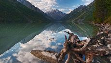 Кучерлинское Озеро в Алтайских горах