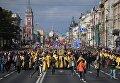 Священнослужители во время крестного хода в честь Дня перенесения мощей святого благоверного князя Александра Невского