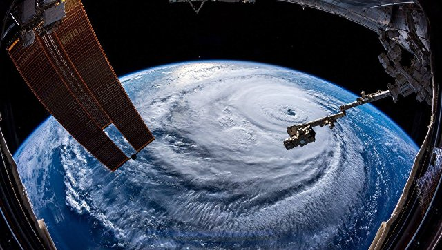 Вид на ураган Флоренс с МКС