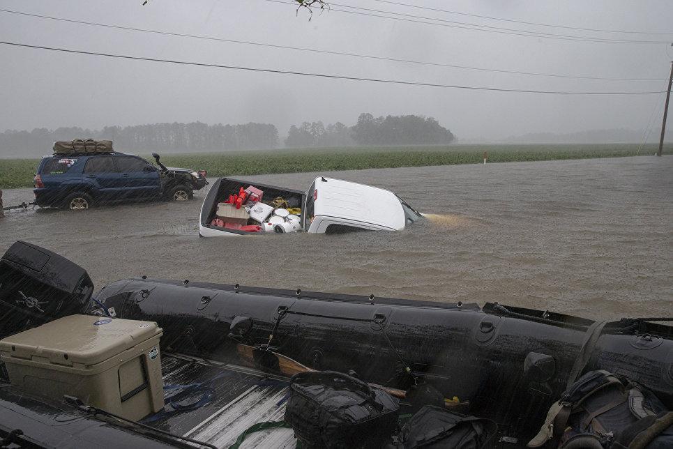 Последствия урагана Флоренс в городе Ламбертон, Северная Каролина. 15 сентября 2018